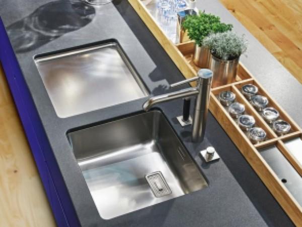 ewe Küche Vida in ultramarinblau © ewe Küchen