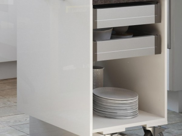 Arbeitsplatten-Roll-Ausziehtisch © ewe Küchen