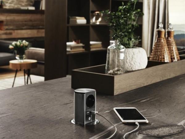 Praktische Ladestation und Steckdose für die Küche © FM Küchen