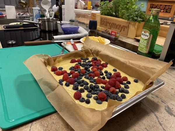 Ricotta Beerenkuchen bereit für das Backrohr